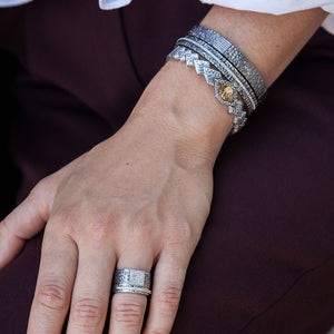 GUNMETAL EGY CRYSTAL LINE BANGLE