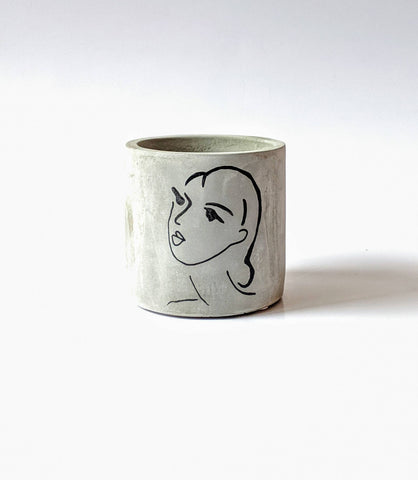 ForgottenProperty - Matisse Lady Concrete Planter