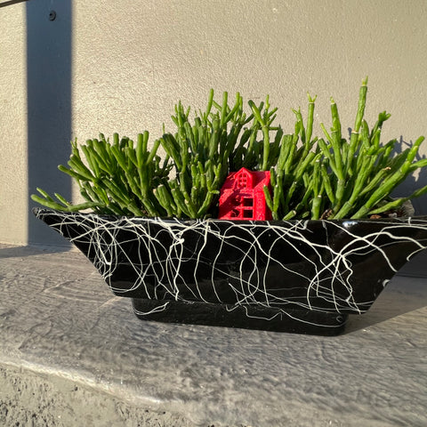 Rhilsalis in UK Hygge Planter (w/ red house)