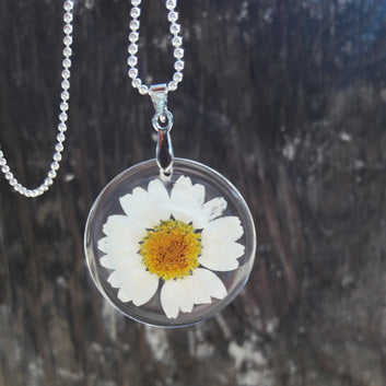Daisy Love Pendant and Necklace