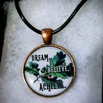Dream, believe, achieve Pendant
