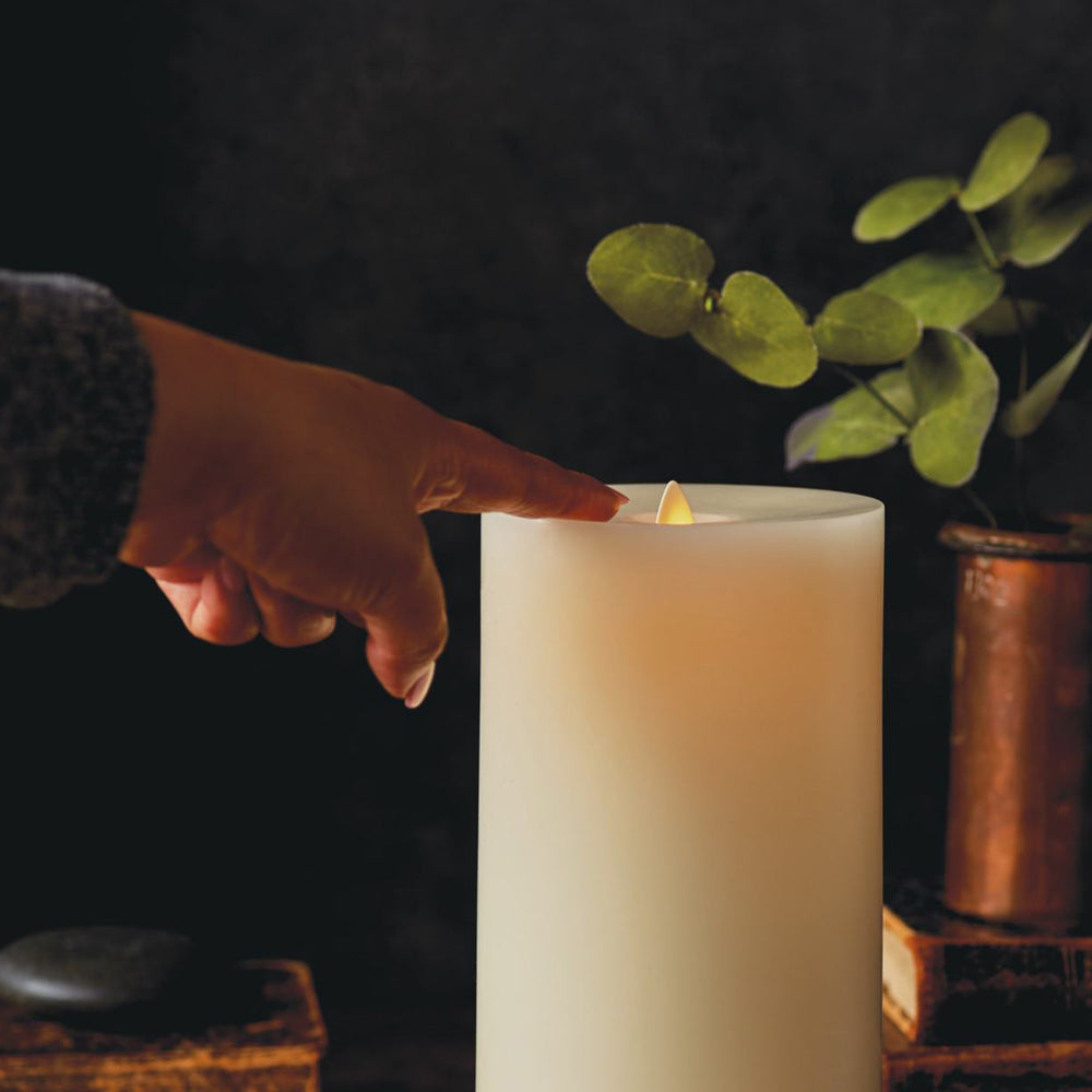 "NEW! LightLi Wick to Flame 7"" Pillar Flameless Candle"