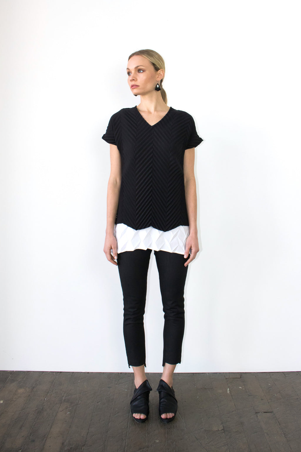 Chevron T-Shirt in Black