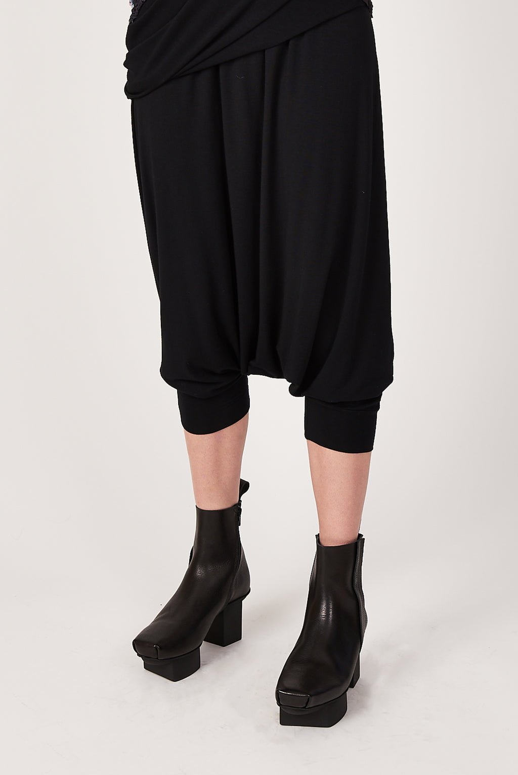 Berlin Pant in Black Bamboo Jersey