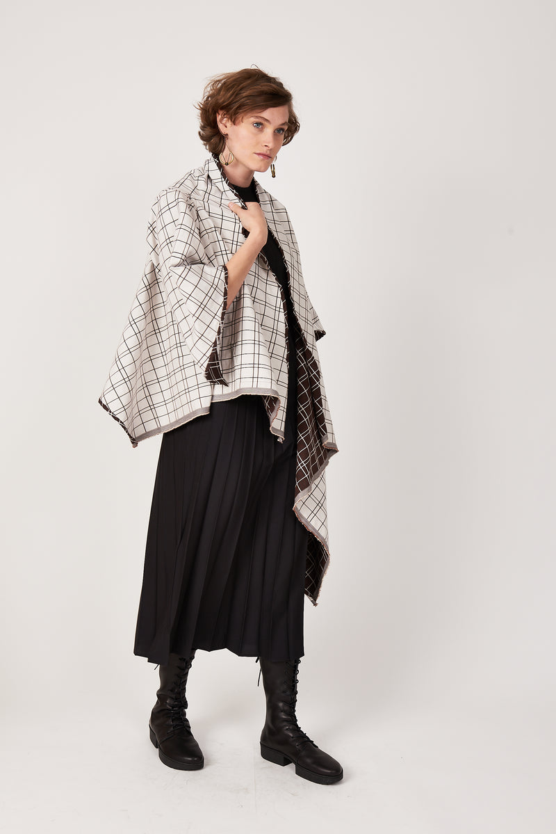 Reversible white and brown wrap jacket