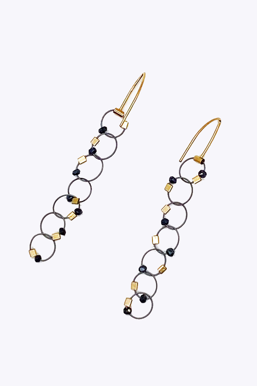 Interlock Earrings in Spinel/Gunmetal