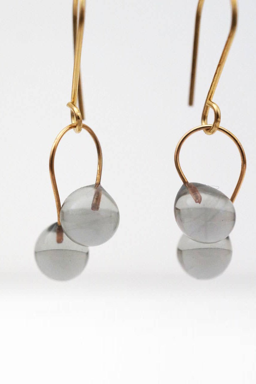 Ficelle Small Earrings in Smoke