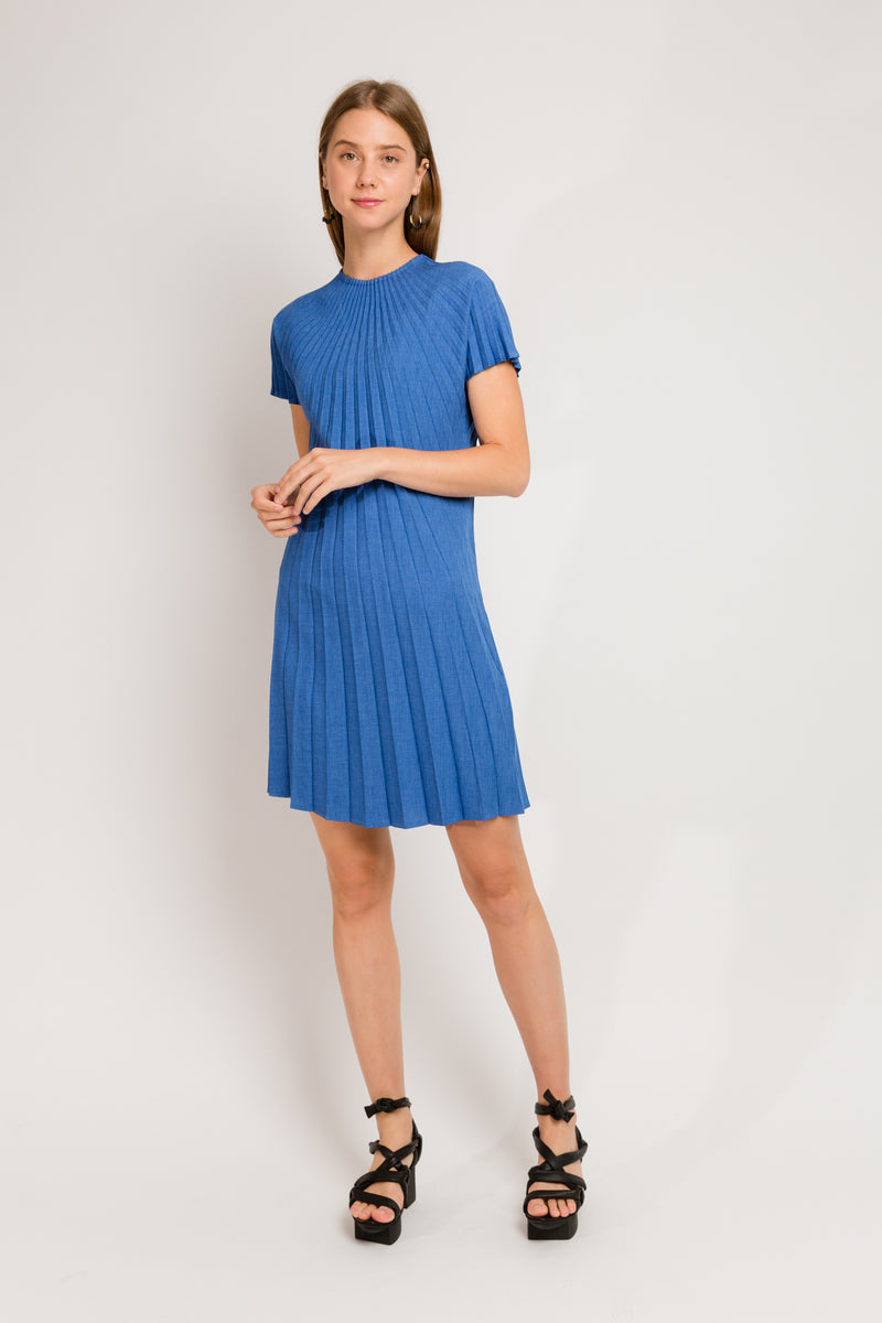 blue short sleeve dress