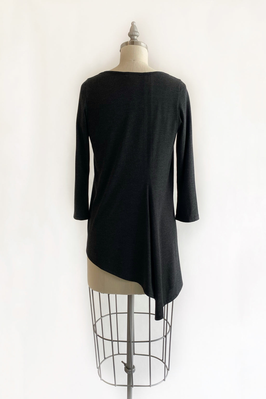 3/4 Sleeve Trapezoid Tunic in Charcoal Jersey