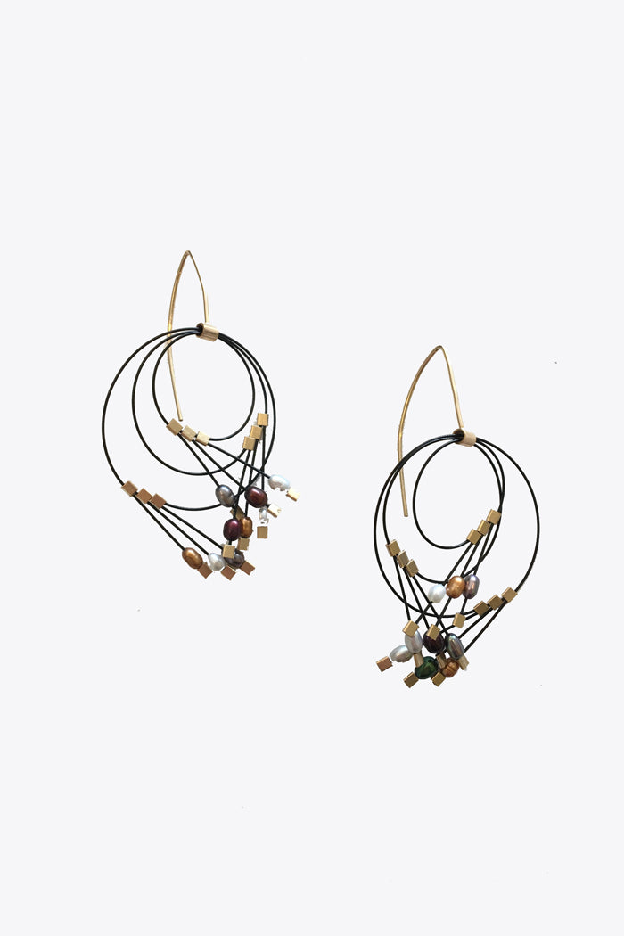 Vertigo Earrings Metal Pearls/Black
