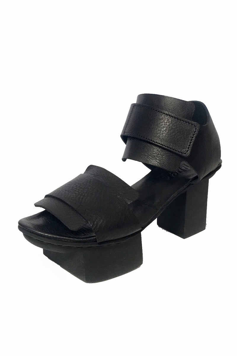 Visor Sandal in Black