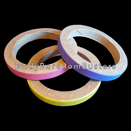 Non-toxic, bird safe paper rings can be used as foot toys for medium or large parrots, slipped over perches or used as a toy base. Approx size (outside diameter) is 4