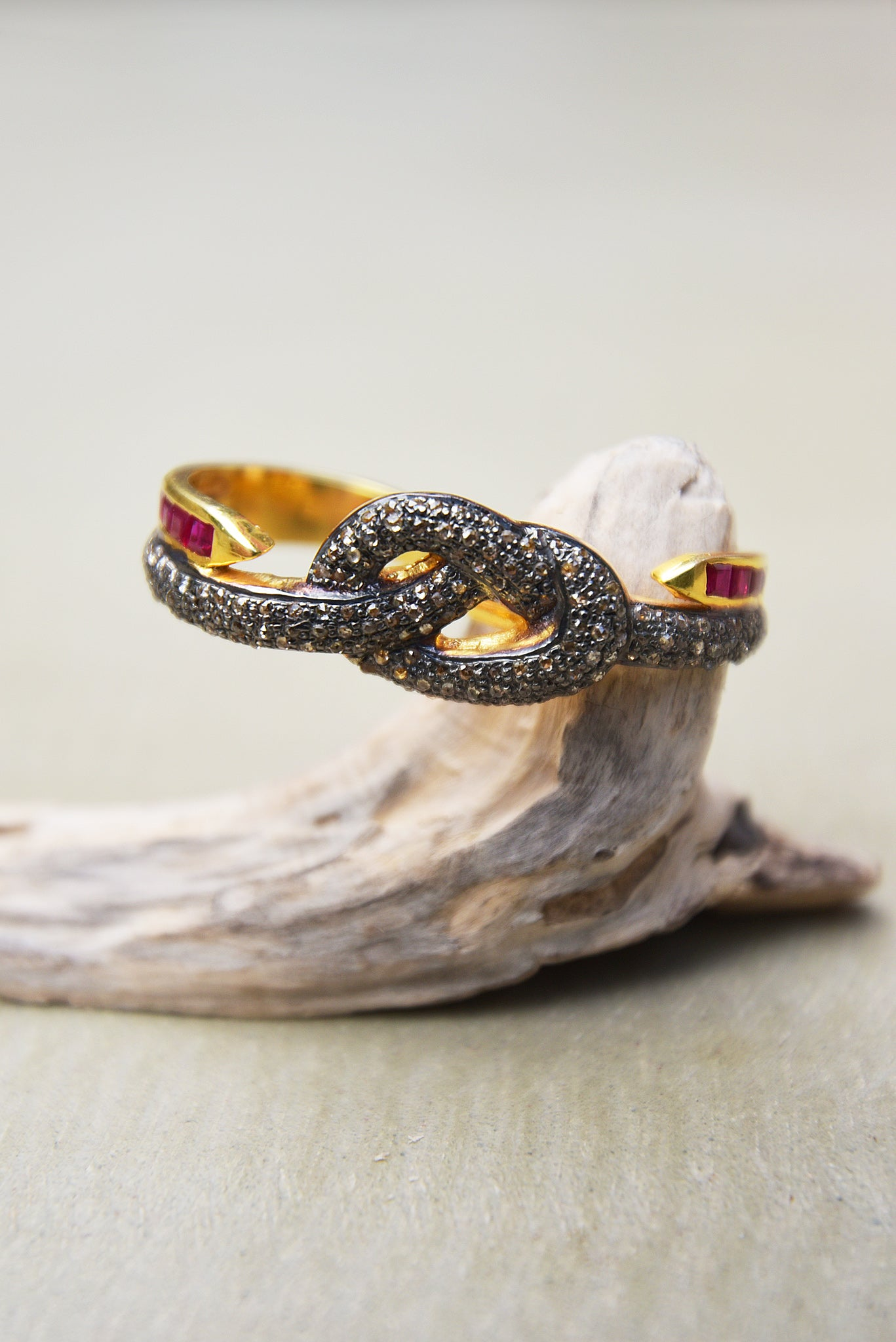 Bague Twice Knot by AVA Precious Goods