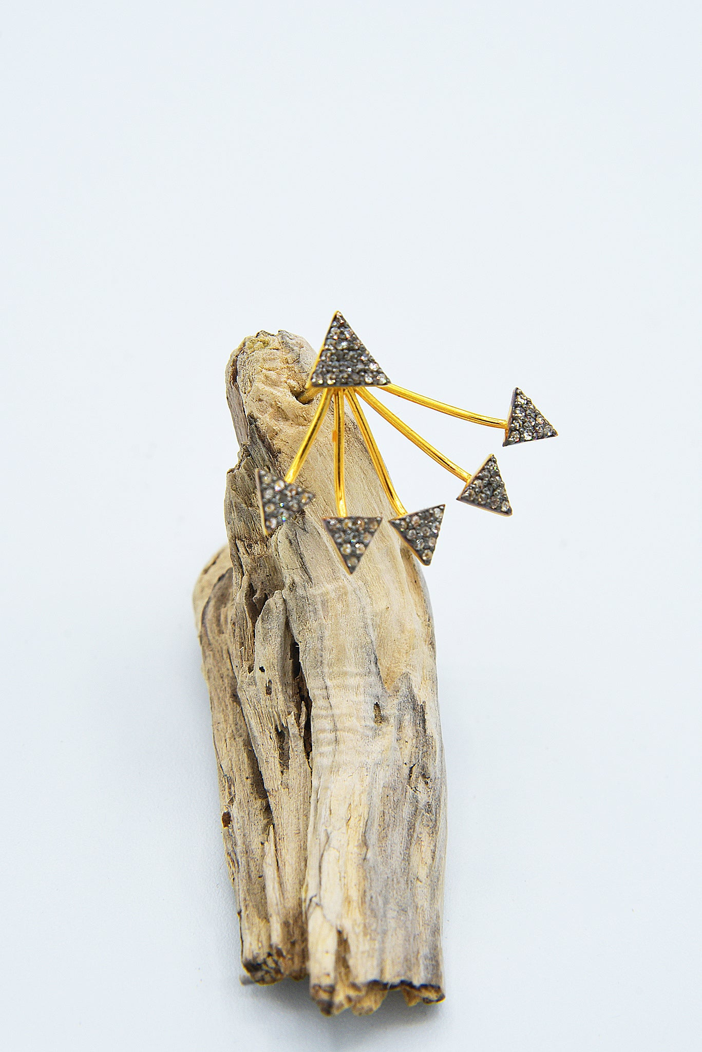 Boucle d'oreilles Multi-Triangles by AVA Precious Goods