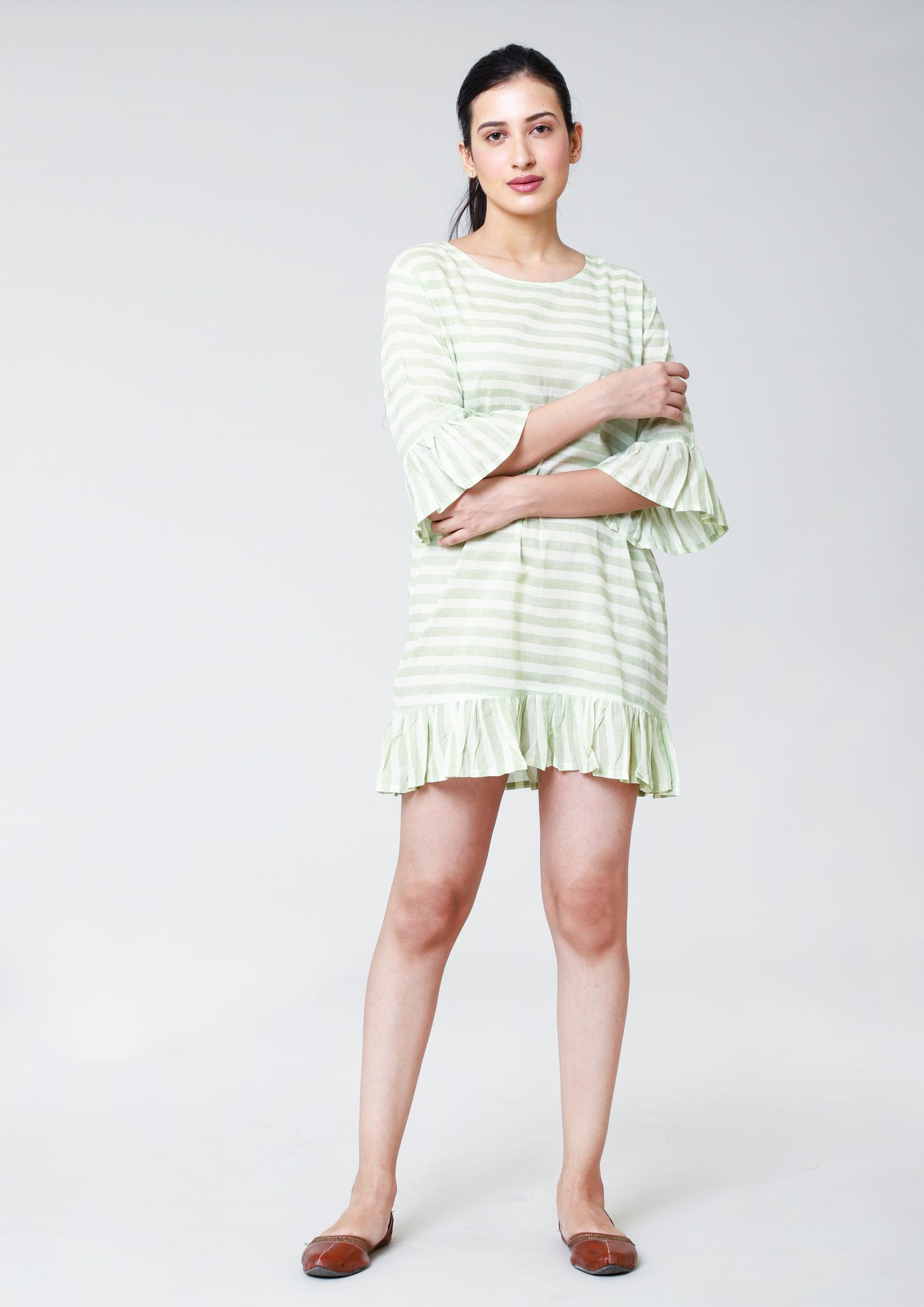 A BOX FIT GATHERED DRESS  ON SLEEVE  AND BOTTOM