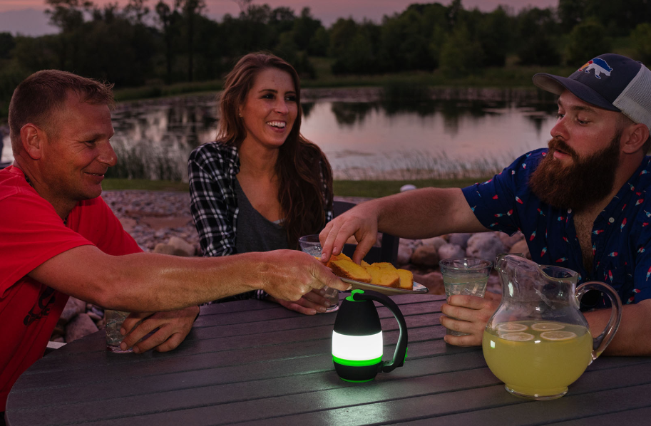 Portable Flashlight/Camping/Table Light 3 in 1 - One-Click Conversion & Super Long Lighting Endurance