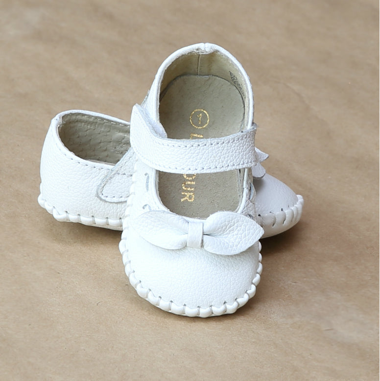 L'Amour Infant Girls White Mary Jane Crib Shoe with Bow - Petitfoot.com