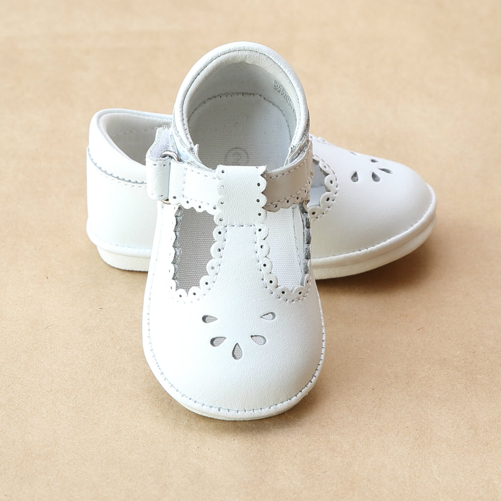 Angel Baby Girls White Scalloped Perforated Mary Jane - Petitfoot.com