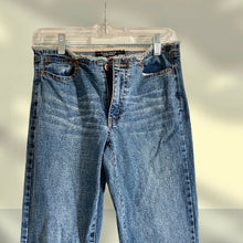 Load image into Gallery viewer, Rampage Bootcut Jeans - Pale Ale Boutique