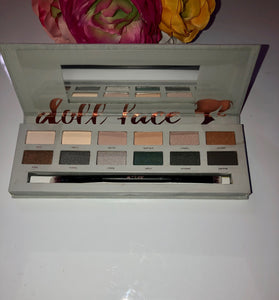 "Doll face""SMOKE"" gets in your eyes Eyeshadow Palette - Pale Ale Boutique"