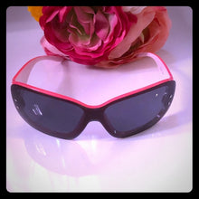 Load image into Gallery viewer, Pink and White Ladies Sunglasses - Pale Ale Boutique