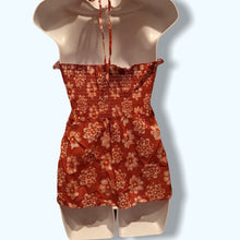 Load image into Gallery viewer, Fun Summer Halter Top BOUTIQUE - Pale Ale Boutique