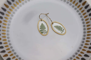 Fern oval earrings - simple and classy
