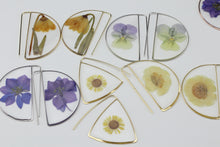 Load image into Gallery viewer, Larkspur Flower Earrings