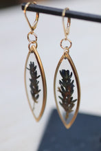 Load image into Gallery viewer, Lavender Marquise Earrings