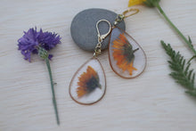 Load image into Gallery viewer, Calendula teardrop dangle earrings