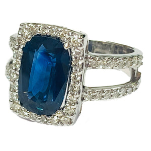 14KT WHITE GOLD 4.20 CT SAPPHIRE AND DIAMOND RING