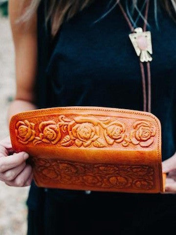 CAMEL TOOLED LEATHER WALLET - Coyote Blu
