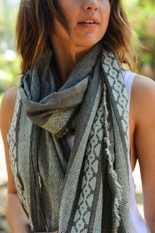 MOROCCAN PRINT OBLONG SCARF - Coyote Blu