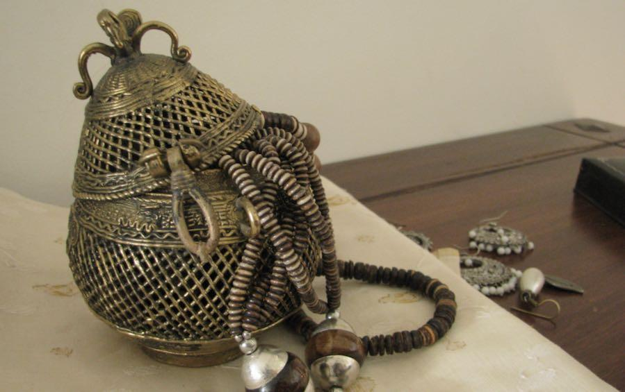 DHOKRA - JEWELLERY BOX - Dhokra artifacts - indic inspirations
