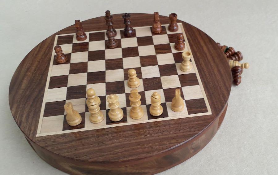 ROUND MAGNETIC CHESS SET - Chess Sets - indic inspirations
