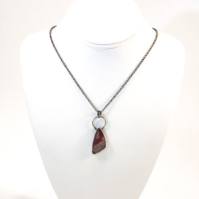 Coyomoto Agate Necklace by Berlin Randall on white display mannequin bust