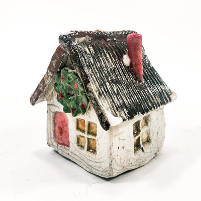 front side angle view of Winter House by John Lowes