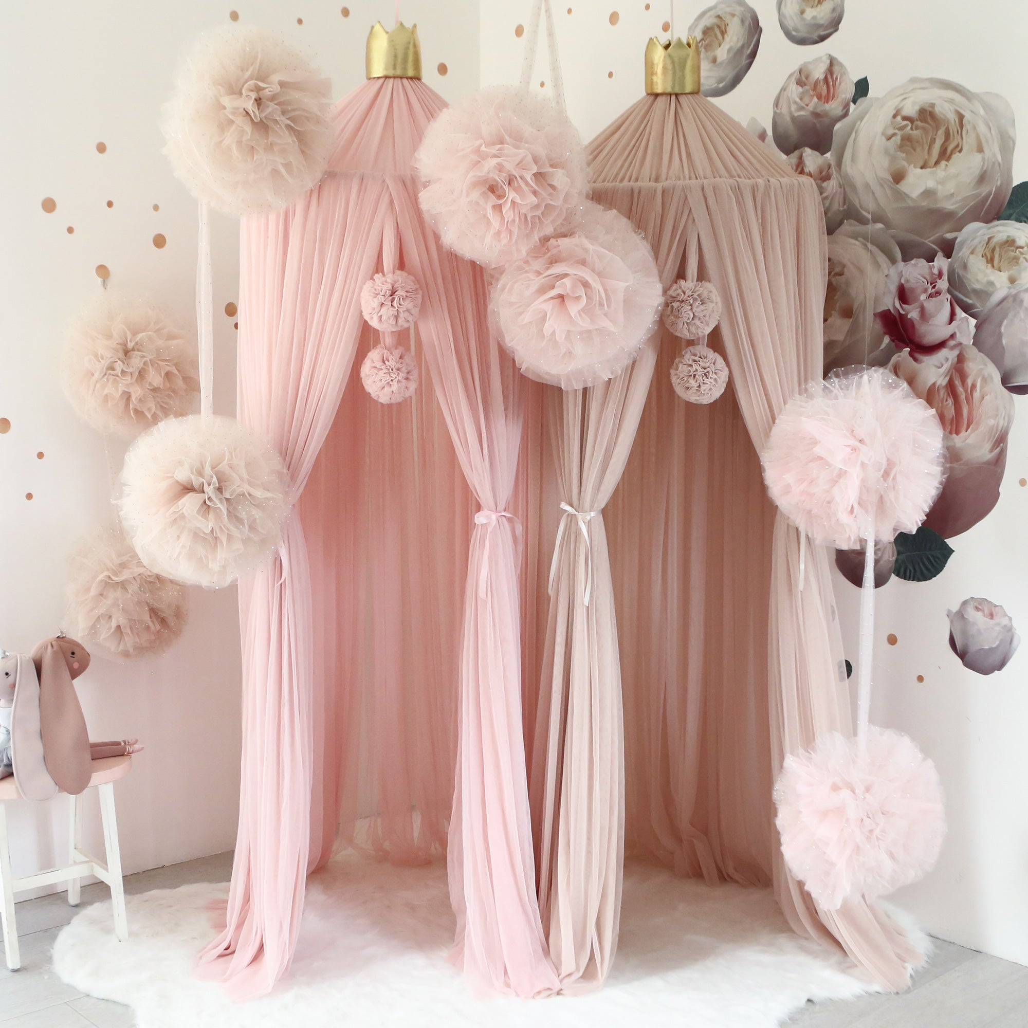 Spinkie Large Sparkle Pom Garland Champagne Blossom And Sweetpea