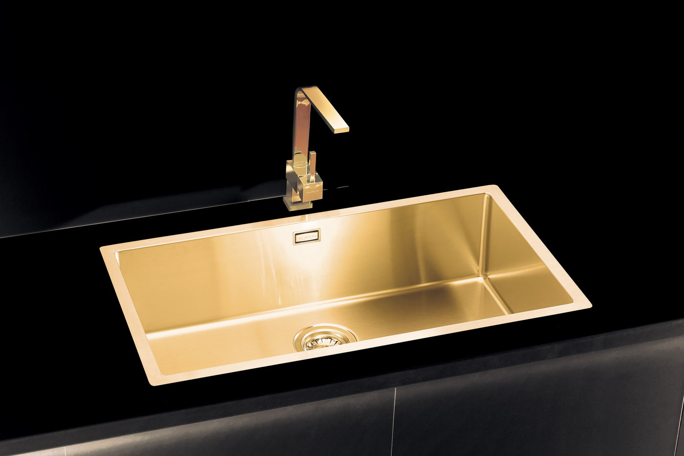 Gold / Brass kitchen mixer tap, monobloc - Alveus Monarch Slim ...
