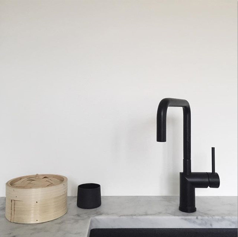 Nivito RH 320 Matte Black, kitchen mixer tap