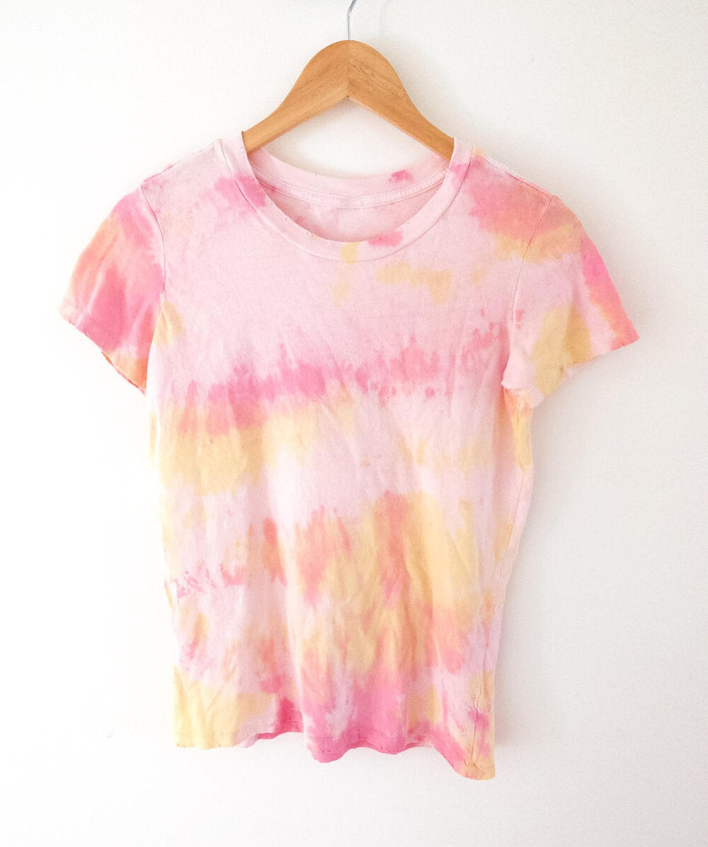 Mo'orea Tee in Pink and Yellow Sunset