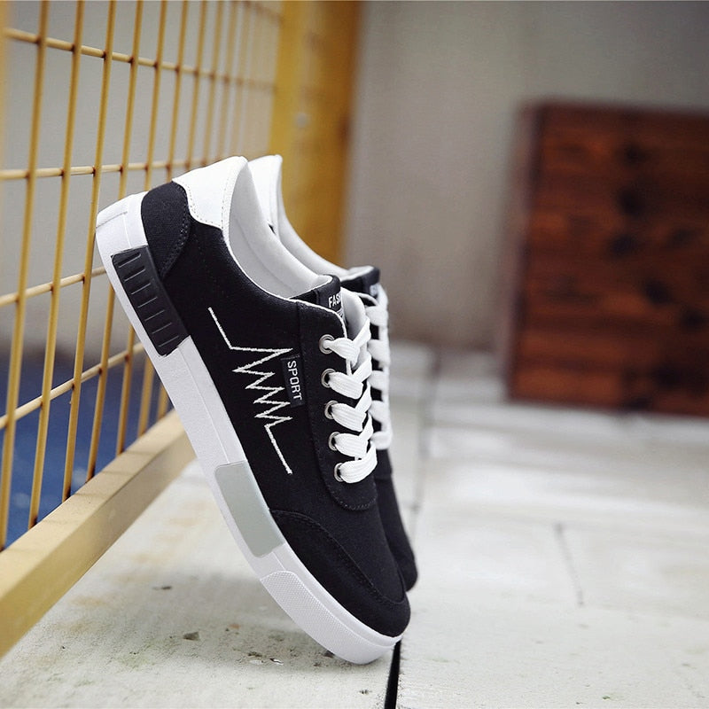 New 2019 Spring Summer Canvas Shoes Men Sneakers Low Top Black Shoes Men's Casual Shoes Male Brand Fashion Sneakers