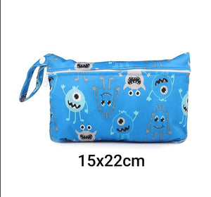 Small waterproof bag for absorbing pads