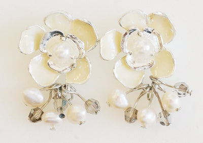 Dogwood Cluster Earring Silver Snow