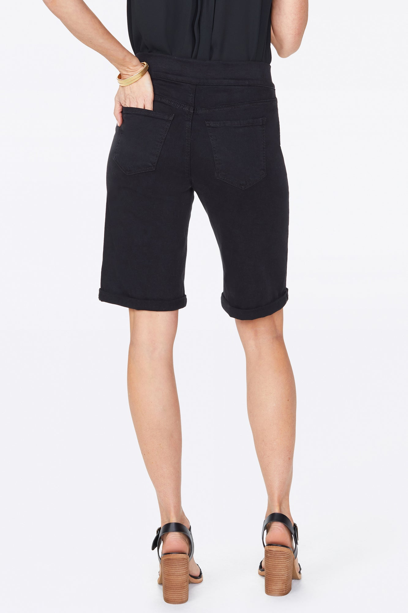 11 Inch Pull-On Jean Shorts - BLACK