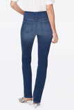 Marilyn Straight Pull-On Jeans In Petite - CLEAN SOLANA