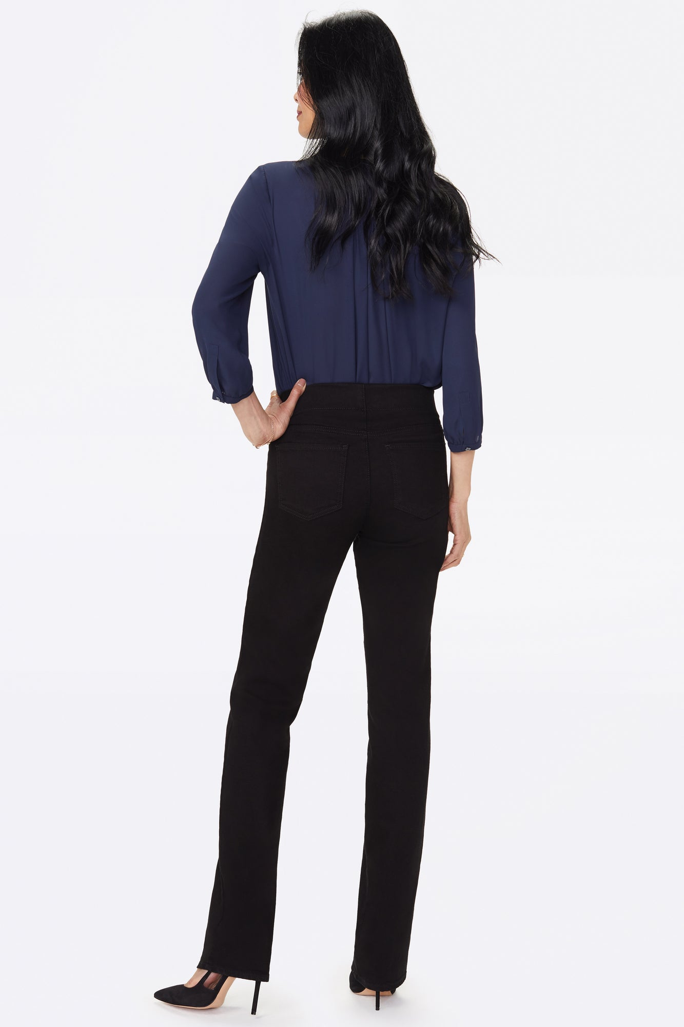 Marilyn Straight Pull-On Jeans In Petite - BLACK