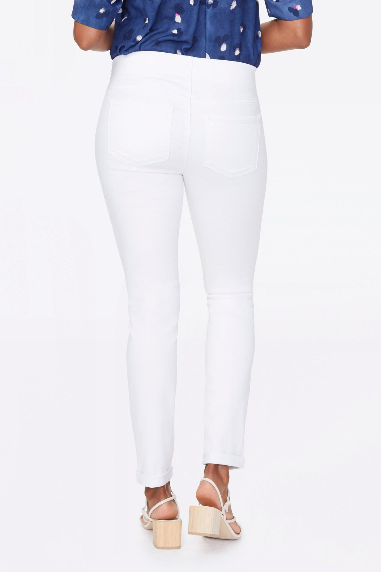 Skinny Ankle Pull-On Jeans In Petite - OPTIC WHITE