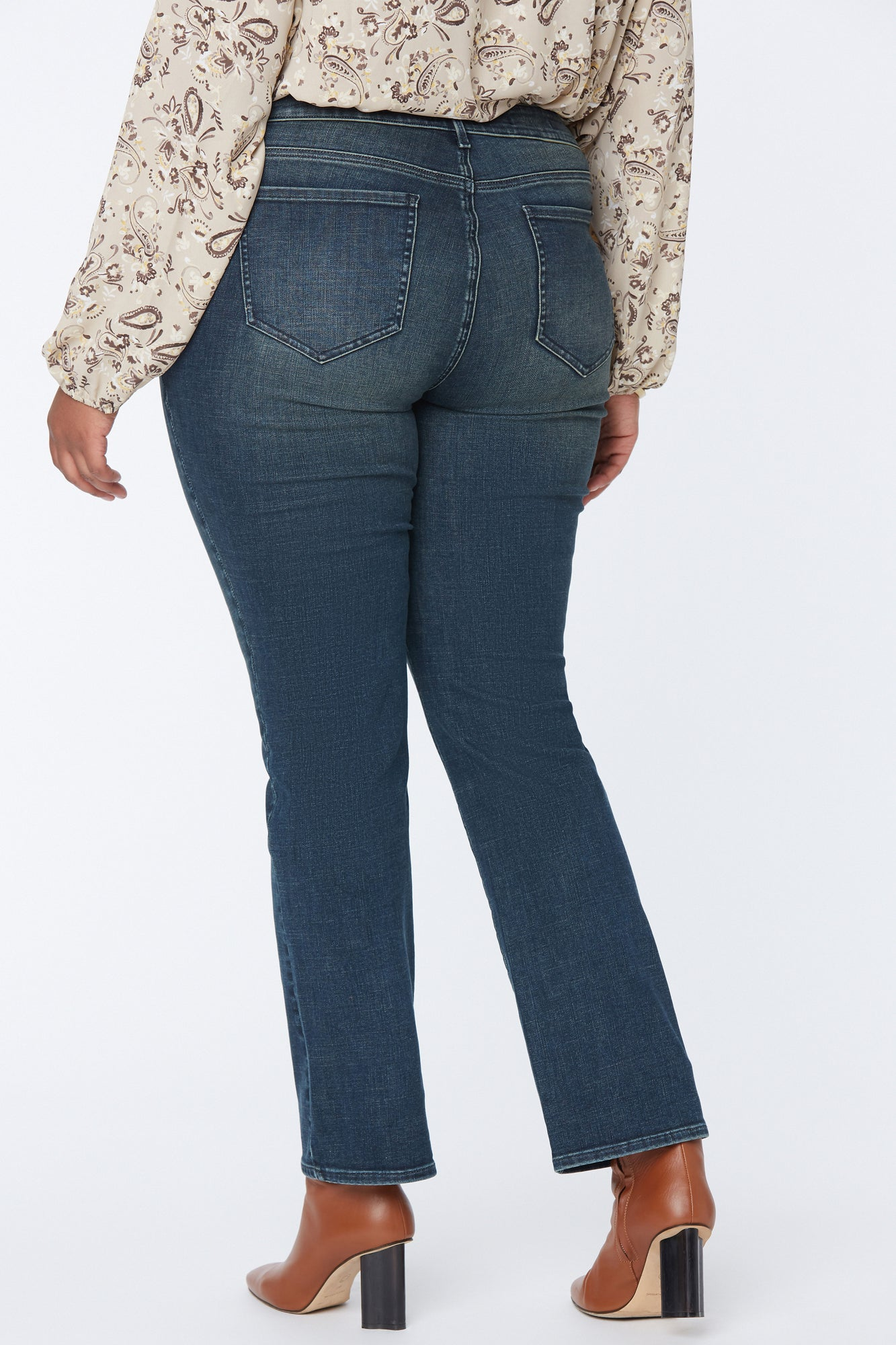 Marilyn Straight Jeans In Plus Size - PROSPERITY