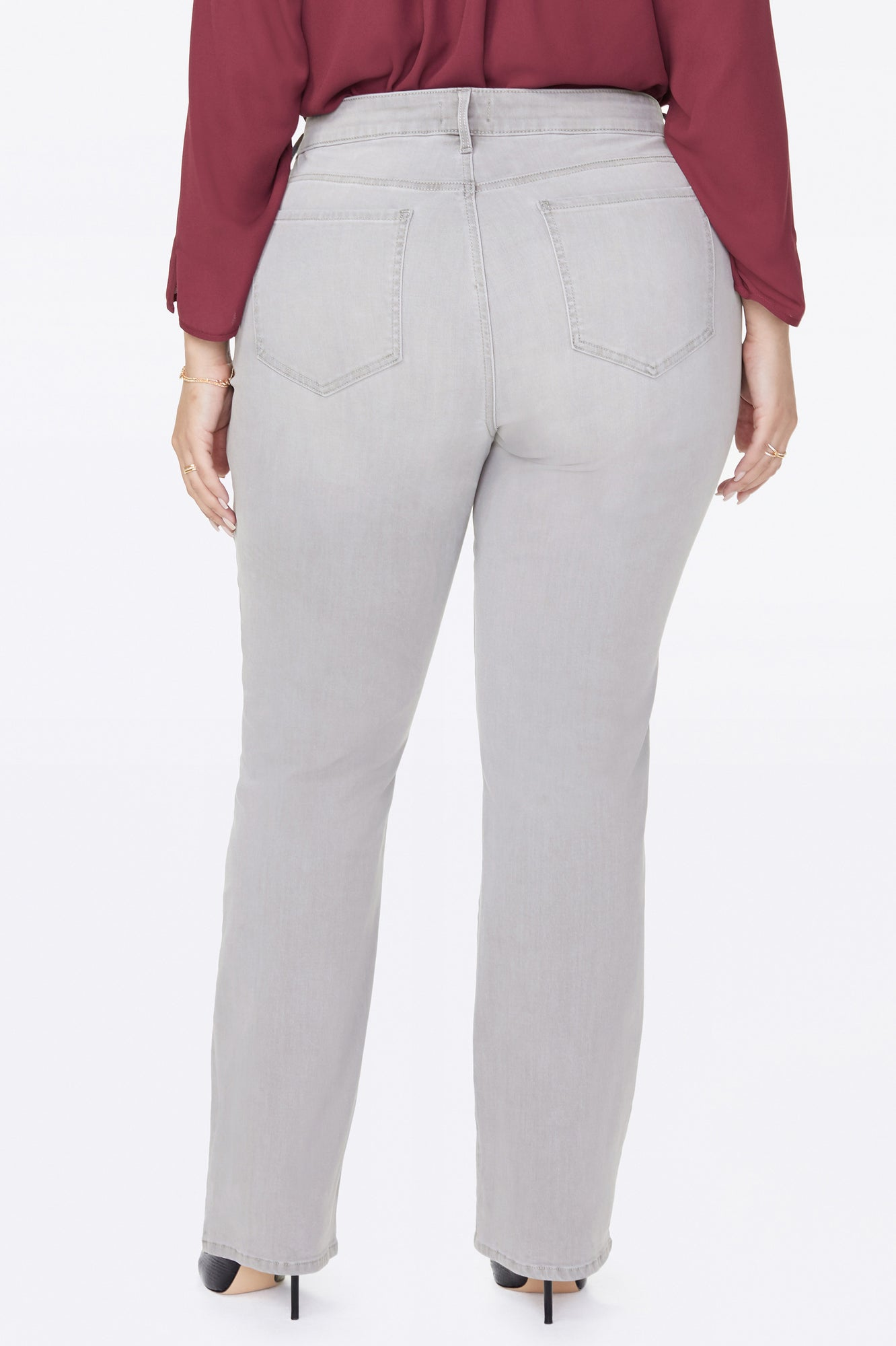 Marilyn Straight Jeans In Plus Size - GALE